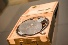 Od kompasu słonecznego do systemu DECCA – historia hiperboli w nawigacji