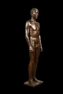 Ernesto de Fiori, Stojący młodzieniec, 1926, brąz, 229 x 59 x 37, fot. G. Solecki/A. Piętak