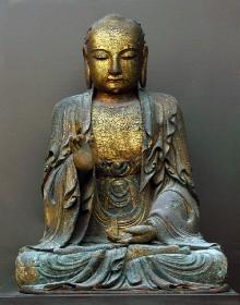 Budda Amoghasiddhi, Chiny, XVII w., drewno, złocenia, 110 x 81 cm, fot. G. Solecki, A. Piętak