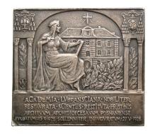 J. Wysocki, plakieta pamiątkowa zokazji otwarcia Akademii Lubranieckich wPoznaniu, 1926, srebro, 85,6 mm x 75,5 mm, fot. M. Pawłowski