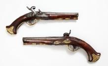 Para pistoletów, G.G. Ewertz, Szczecin, pocz. XIX w., stal, drewno, dł. , fot. G. Solecki i A. Piętak