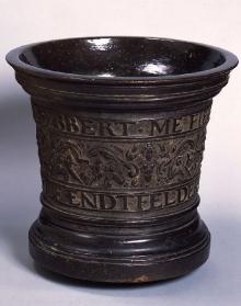 Hans Wolf Endtfelder (czynny ok. 1604–1614), Moździerz, Pomorze lub Dania (?) 1612, brąz, wys. 36 cm, fot. G. Solecki