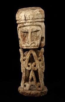 Korwar, Papua, Indonezja, 2. połowa XX w., drewno, 54,2 x 19 x 18 cm, fot. G. Solecki, A. Piętak