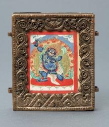 Tsakli (miniaturowe malowidło) przedstawiające buddę Wadżrapani (Diament w Ręce), Mongolia, XIX/XX w., płótno, papier, miedź srebrzona, mosiądz, 9 x 8,3 x 3 cm, fot. G. Solecki, A. Piętak