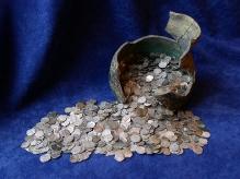 Skarb denarów zkońca XIV w. zŁagiewnik gm. Łobez, srebro, fot. M. Pawłowski