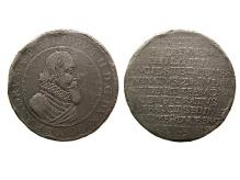 Filip II, talar poczwórny (tzw. piedfort) upamiętniający śmierć władcy, 1618, mennica Szczecin, srebro, Ø 42,2 mm, fot. M. Pawłowski