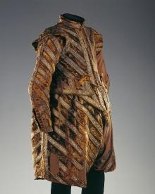 Strój księcia Ulryka, 1622, aksamit, naszycia ze złotego galonu, wams – długość przodu 36 cm, spodnie – dł. 60 cm, fot. G. Solecki