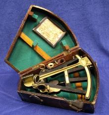 Przyrząd nawigacyjny sekstant produkcji angielskiej firmy Spencer & Barret  XIXw.